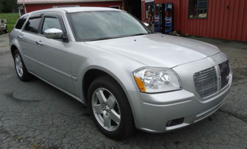 Sell Used 2005 DODGE MAGNUM RT ALL WHEEL DRIVE 5 7 HEMI In